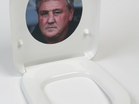 FA Cup final: Hull company produces Steve Bruce toilet seat to commemorate Arsenal showdown