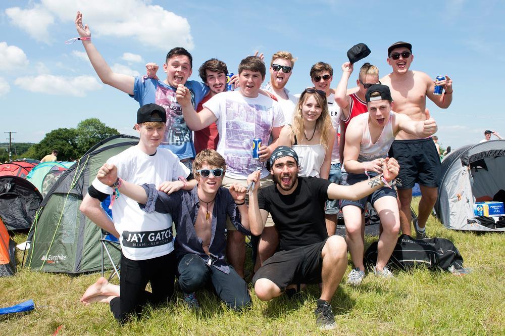 Isle of Wight festival 2014: Football fever grips the festival ahead of Biffy Clyro's headline set