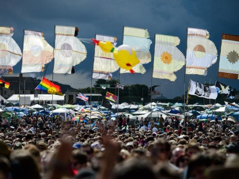 Glastonbury Festival 2014: Electrical storm brings temporary halt to proceedings