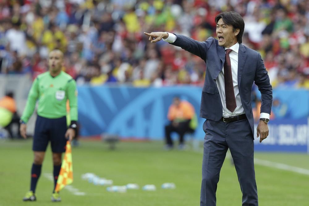 Hong Myung-bo should remain as South Korea boss despite World Cup exit