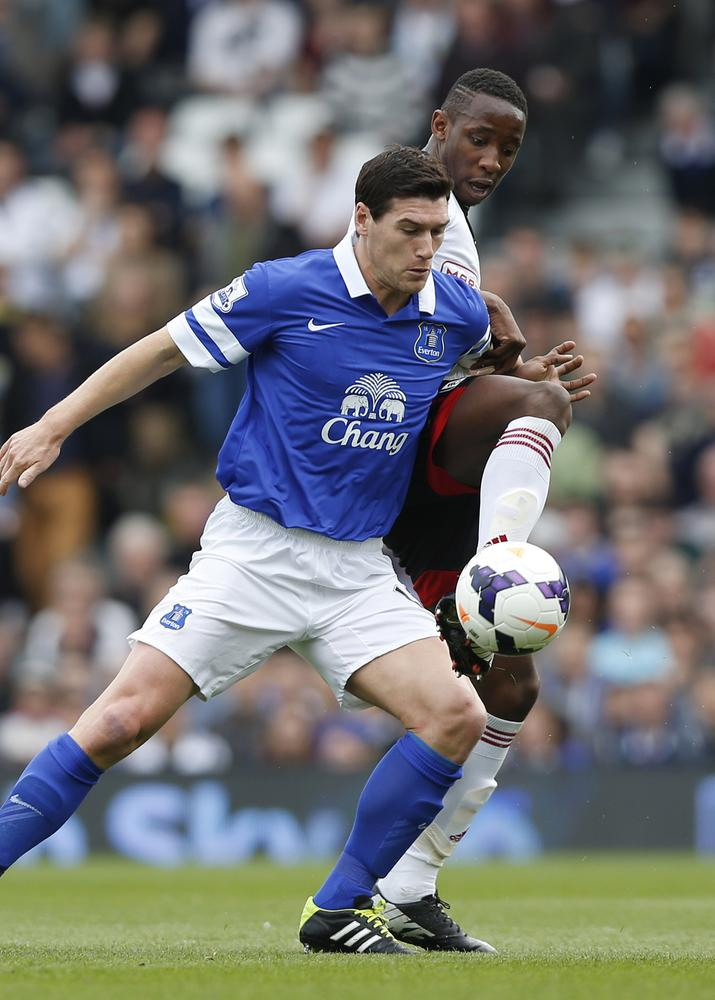 How can Everton replace Gareth Barry?