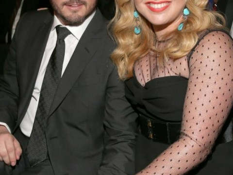 Kelly Clarkson posts adorable tweet as she reveals she's given birth to baby girl