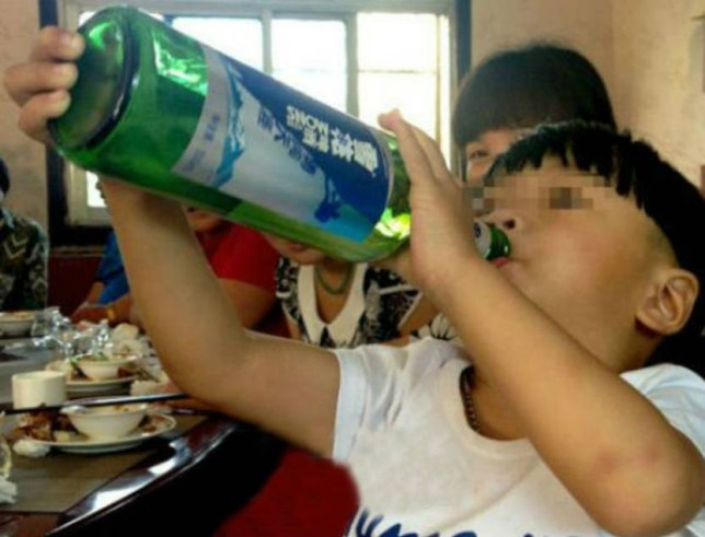 Cheng Cheng: Boy, 2, addicted to alcohol in China's Anhui province