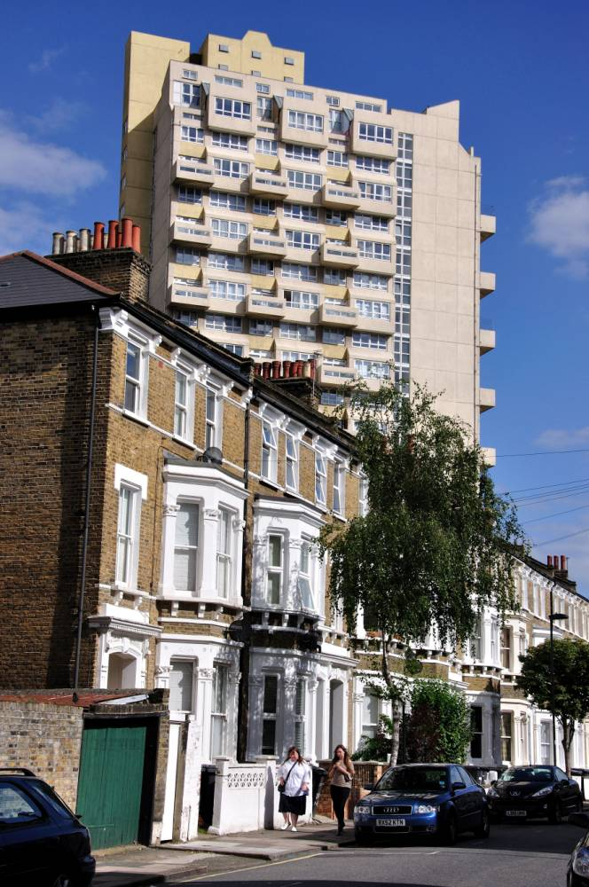 Stockwell: Inner city with a touch of the Med