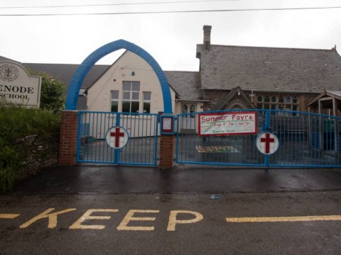Cornwall school closes as police hunt for possible gunman