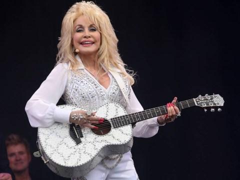 Was Dolly Parton miming at Glastonbury?