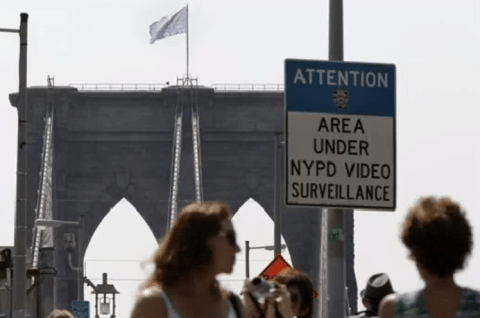 Police probe white surrender flags on New York's Brooklyn Bridge