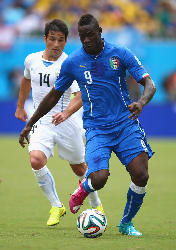 How signing Mario Balotelli would affect Alexis Sanchez at Arsenal