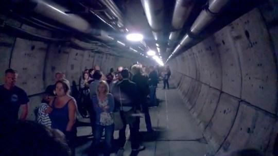 Eurotunnel_passengers_evacuated_05.jpg