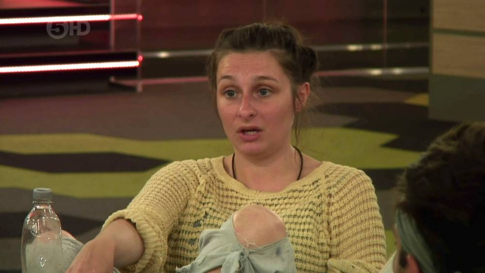 Big Brother 2014: Webcam girl Danielle McMahon threatens to walk after Biannca Lake brands her a 'horny little devil'