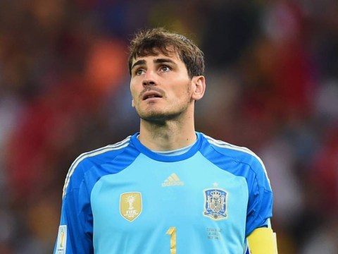 Arsenal make offer to sign Real Madrid goalkeeper Iker Casillas on free transfer