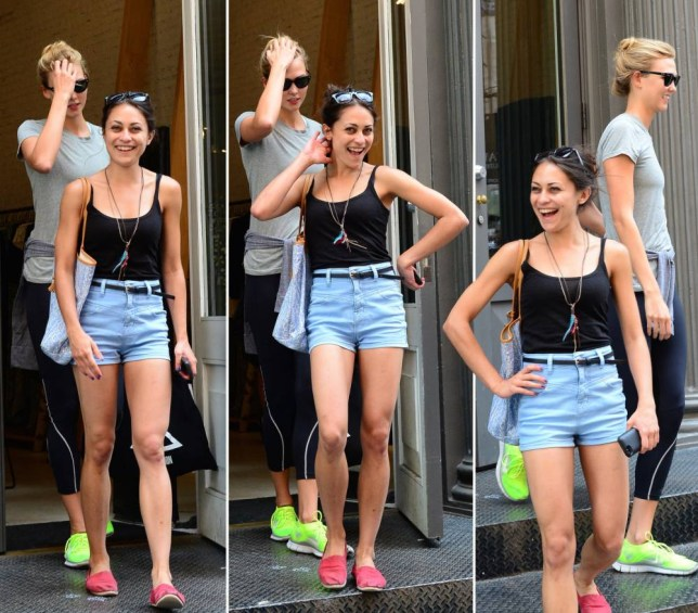 Karlie Kloss Gets Papped Leaving Gym But There S More Than Meets