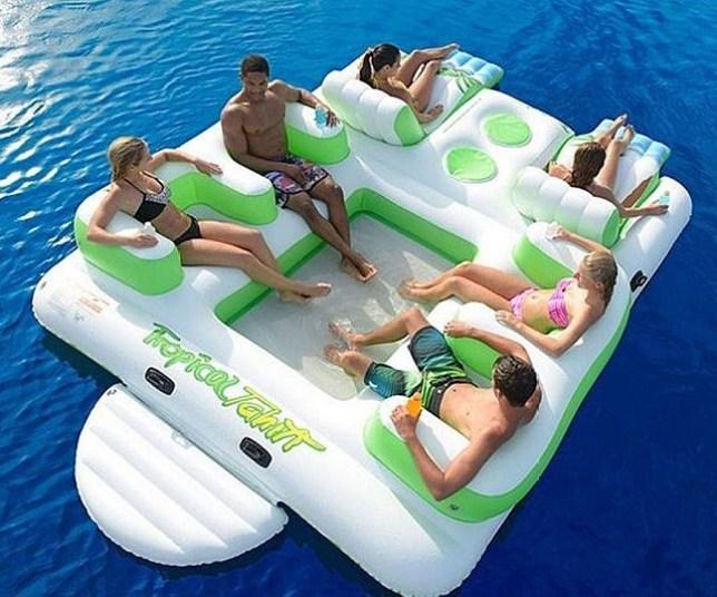 huge-float-640x533