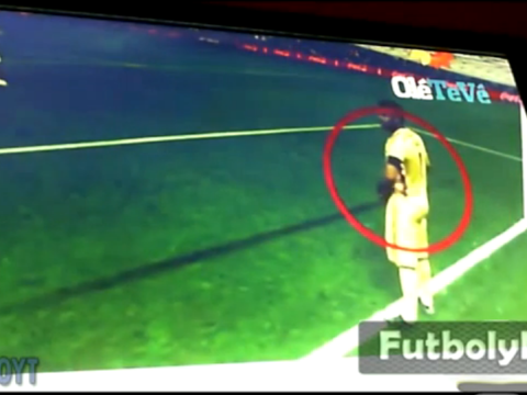 Sneaky Sergio Romero had notes on Holland penalty takers… stuffed down his shorts