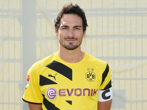 Borussia Dortmund issue firm hands-off warning to Manchester United and Arsenal over Mats Hummels transfer