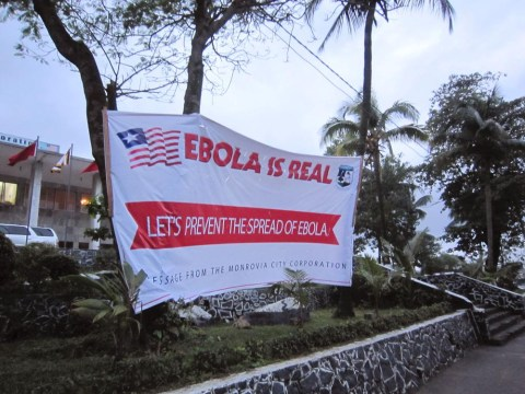 Ebola crisis: Infected aid worker to arrive in US for treatment