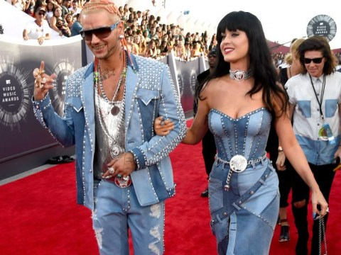 Katy Perry pays tribute to Britney Spears at the MTV VMAs 2014 in the best way possible