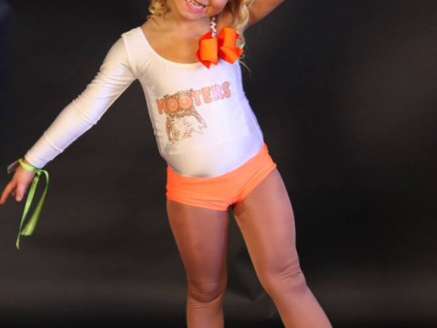 Mother defends decision to dress daughter, 4, like Hooters waitress for pageant