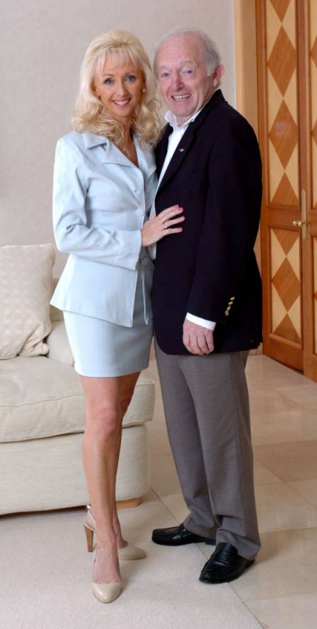 Magician Paul Daniels and wife Debbie McGee, at home in Wargrave, where they were interviewed by Daily Mail writer Tany Gold. PAUL DANIELS AND DEBBIE MCGEE, AT HOME IN WARGRAVE,  FOR TANYA GOLD FEATURE. PICTURE MURRAY SANDERS . REXMAILPIX.