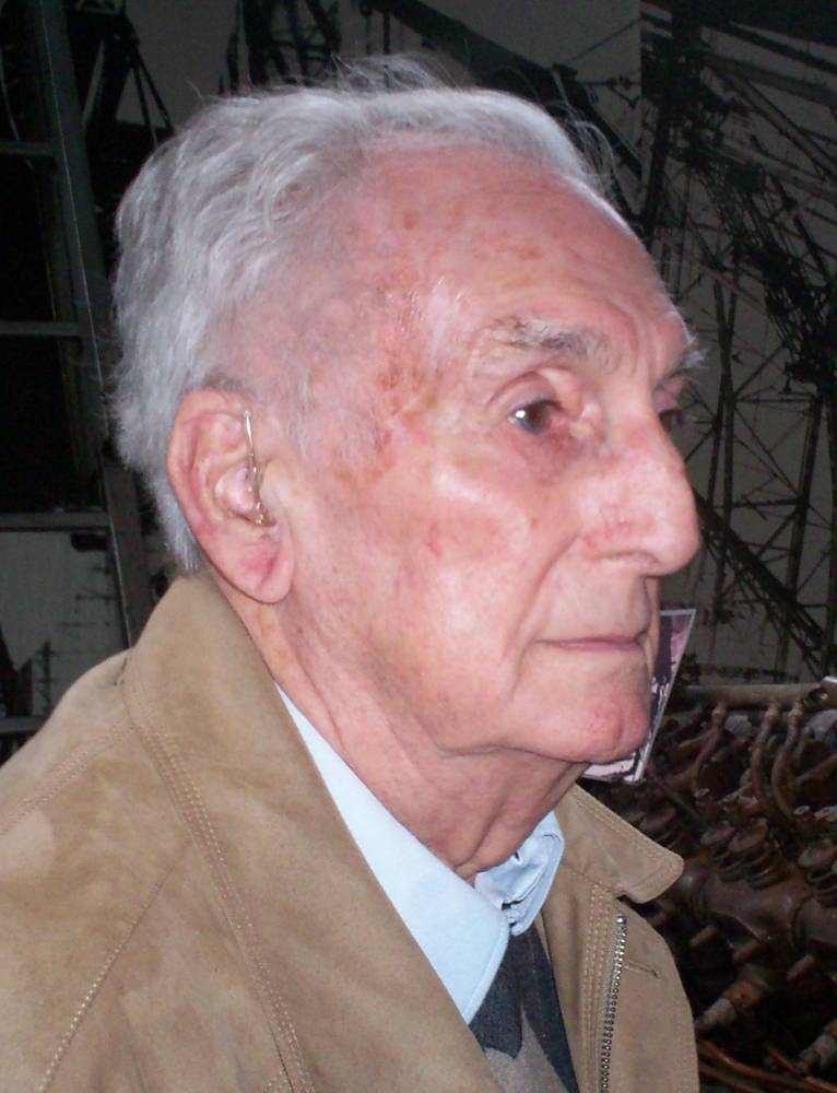 Last surviving crew member of the Hindenburg dies at the age 92