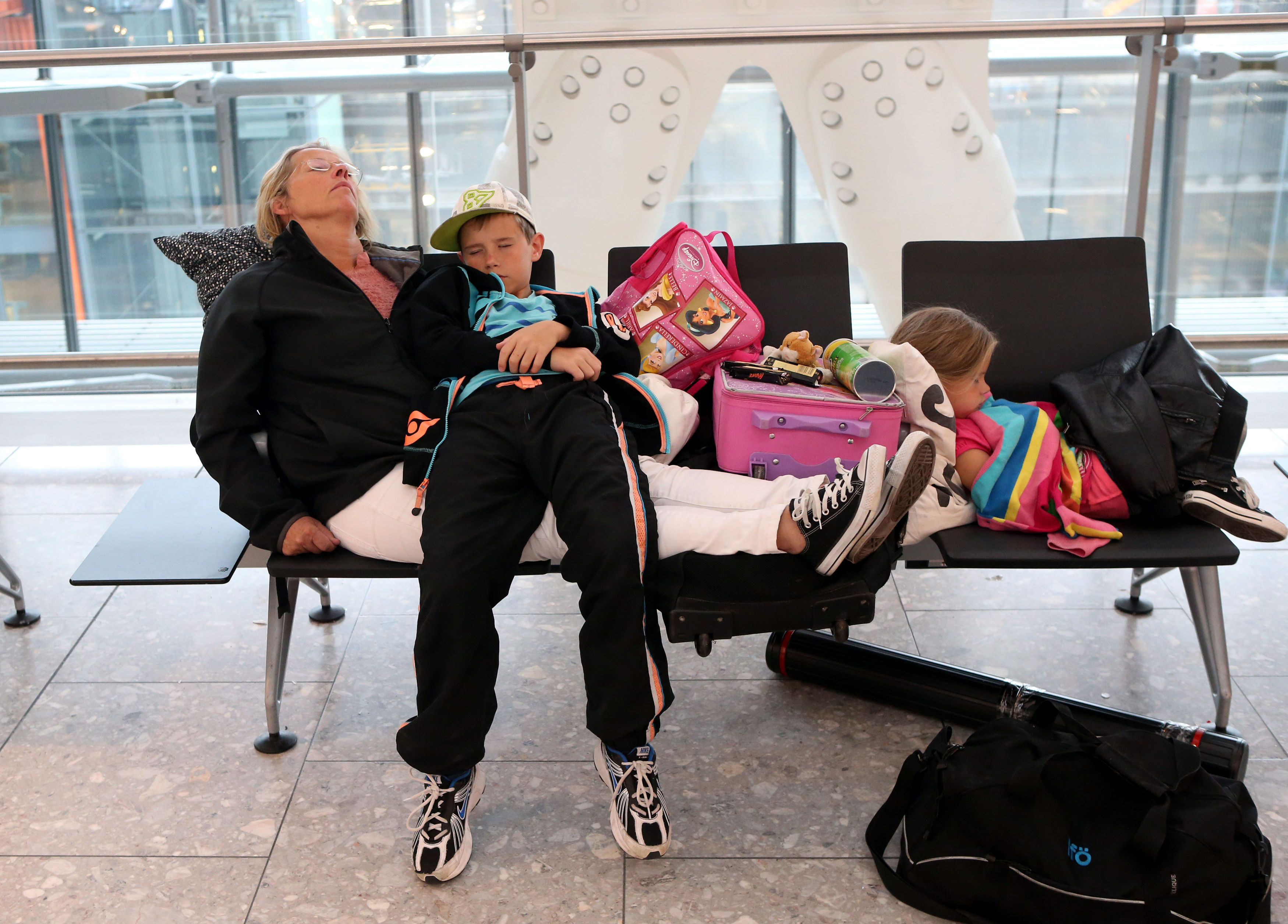 9 annoying things that always happen at the airport
