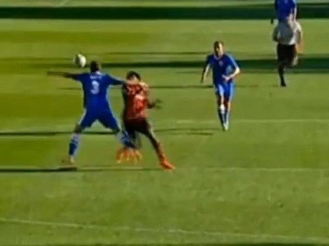 Russian defender totally destroys striker Luiz Adriano with WWE style 'clothesline'
