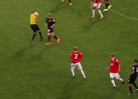 Mark Halsey hit in the face by ball during Manchester United legends game