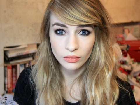 Katie Snooks explains why we need to STOP putting concealer on our lips: The Beauty Blogger