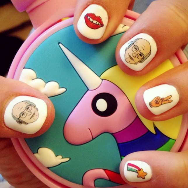 Larry David manicure, Steph Stone, Steph Stone nails, Nails by Steph Stone, Nail art, Nail inspiration, Manicures, Manicure inspiration. Weird manicures, Fun nail art