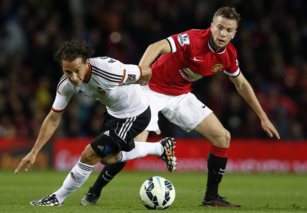 Tom Cleverley makes Aston Villa loan transfer from Manchester United after Premier League ratify deal