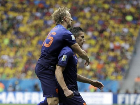 Fenerbahce ask former Liverpool striker Dirk Kuyt to convince compatriot Robin van Persie to leave Manchester United
