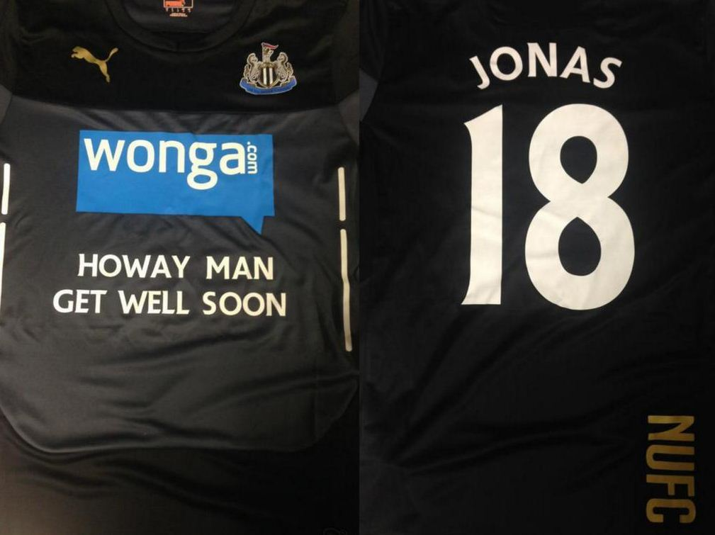 Newcastle players wore shirts to support their team-mate (Picture: twitter)