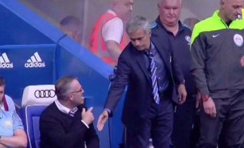 Jose Mourinho's handshake snubbed by Paul Lambert and Roy Keane during Chelsea's clash against Aston Villa