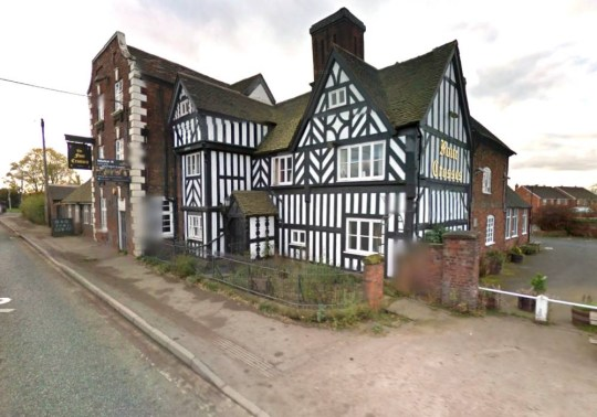 four crosses pub cannock chase ghosts