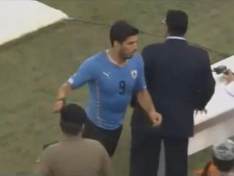 Former Liverpool striker Luis Suarez runs off pitch for toilet break during Uruguay match