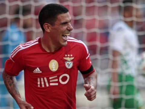 Arsenal 'line up free transfer for Benfica defender Maxi Pereira, negotiations in place'