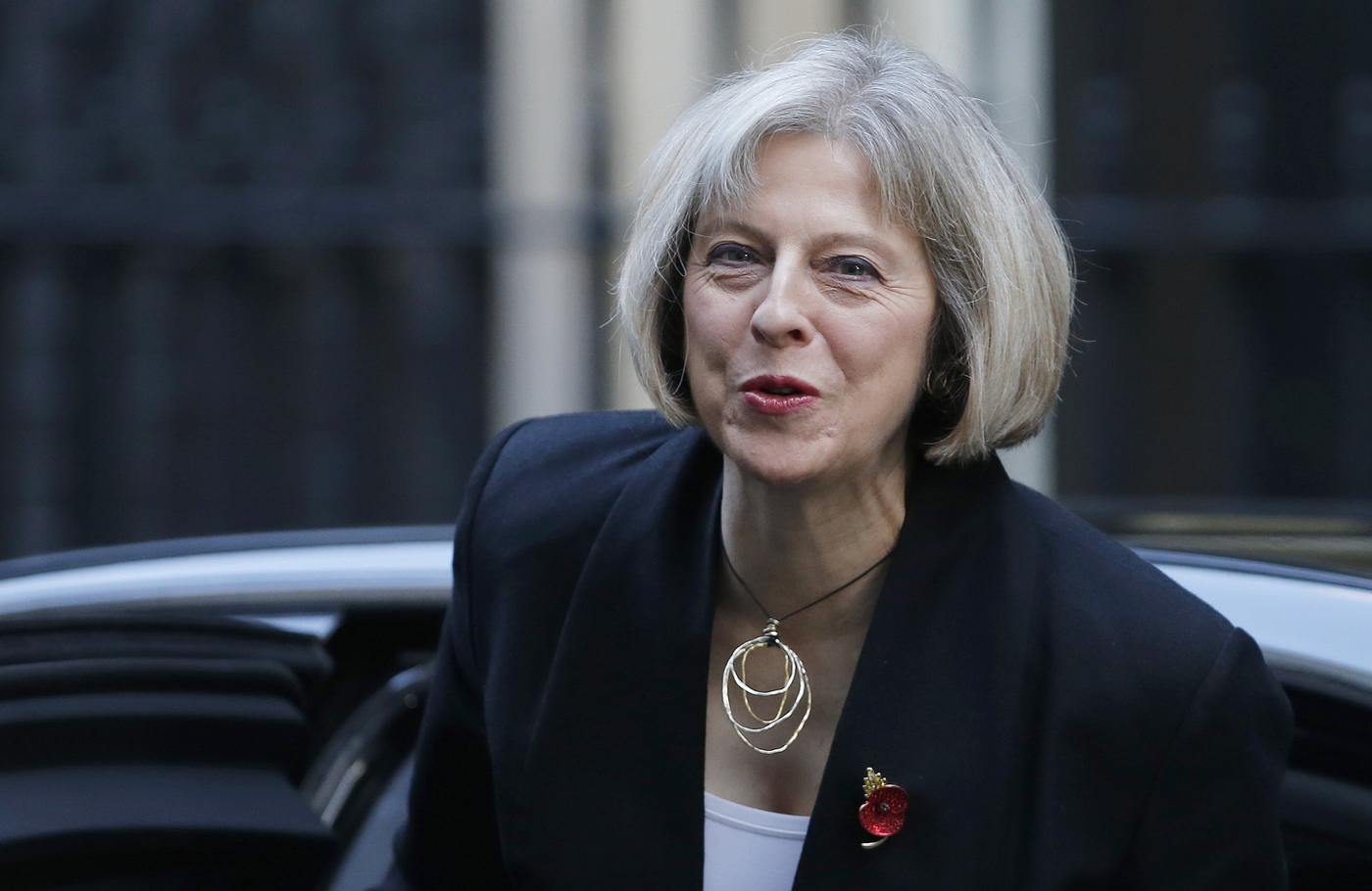 Targets to cut back migrants 'won't be hit', says May