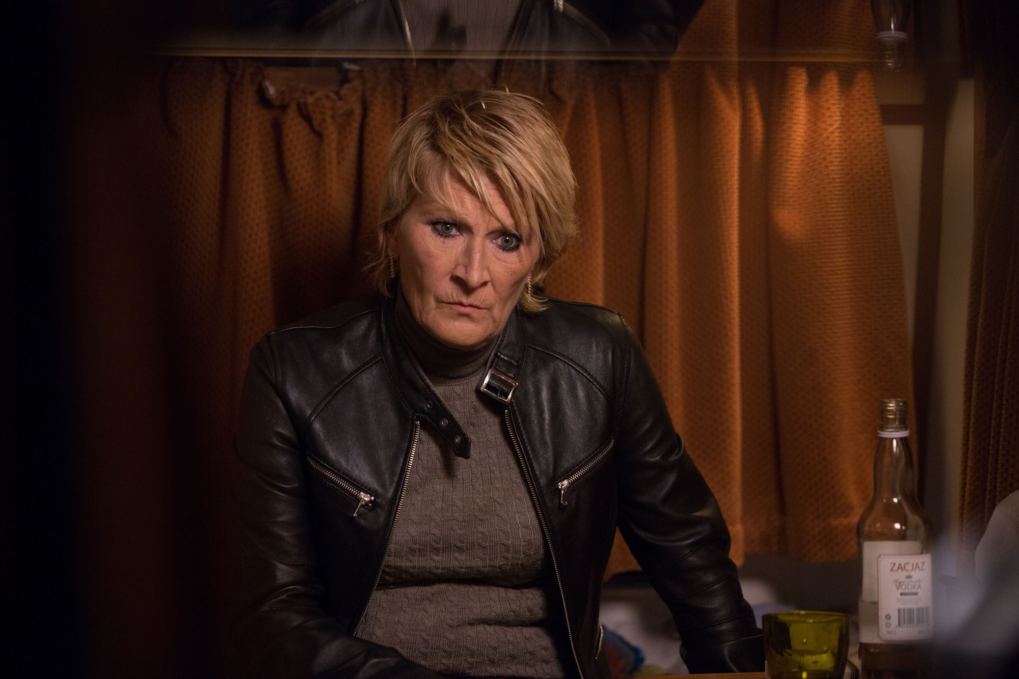 EastEnders, Shirley tells Mick and Dean she's not coming home. Shirley Carter (LINDA HENRY) - (C) BBC
