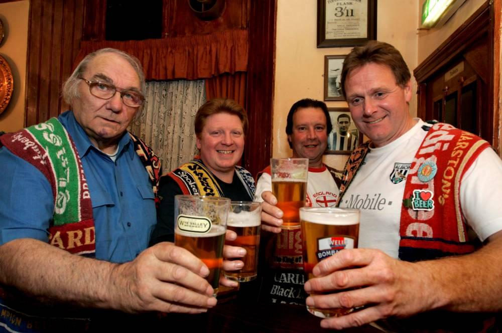 Record breaking pub crawl visits 18,000th boozer