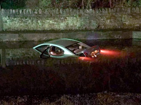 Cabbie discovers location of canal by driving his taxi right into it