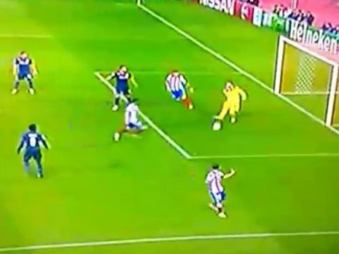 Olympiakos goalkeeper Roberto made an error so bad v Atletico Madrid people think he's match-fixing