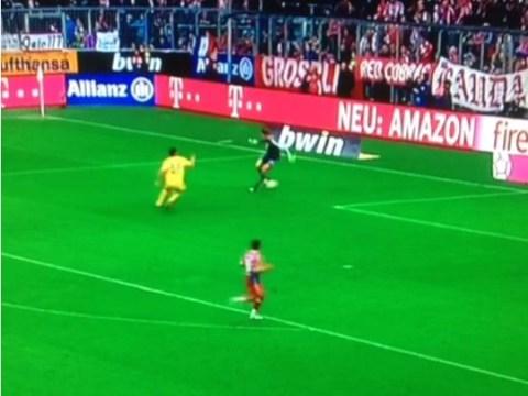 Manuel Neuer performs Johan Cruyff-like turn inside his OWN box during Bayern Munich win over Hoffenheim