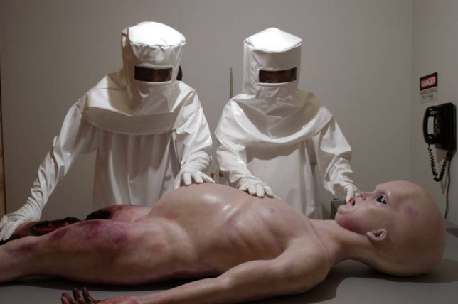 Film: Alien Autopsy (2006).Pictured: Anthony McPartlin as Gary Shoefield with Declan Donnelly as Ray Santilli.