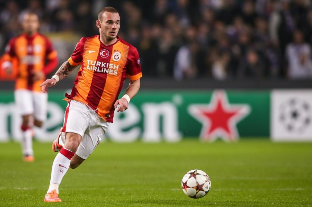 Manchester United begin transfer talks to finally sign Wesley Sneijder