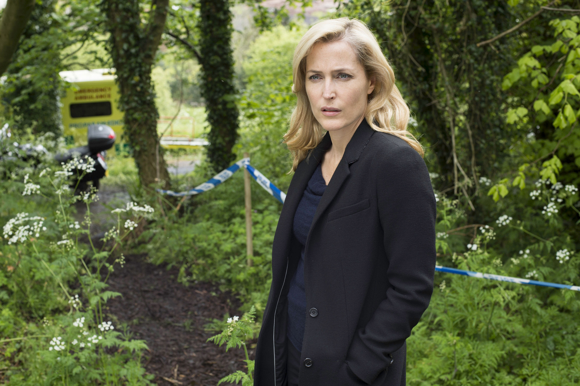 X Files character Dana Scully is back as Gillian Anderson reveals her red hair