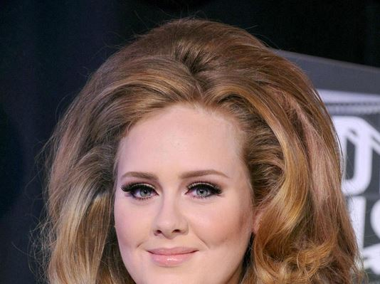 Adele sends handwritten note apologising for missing pal Elton John's wedding