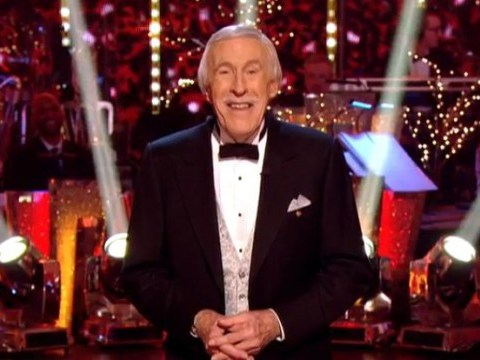 Strictly Come Dancing 2014 Christmas: Bruce Forsyth's singing doesn't go down well