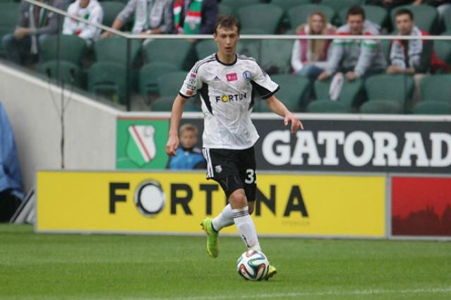 Hamburg 'expect to beat' Arsenal to signing of 16-year-old Legia Warsaw midfielder Krystian Bielik