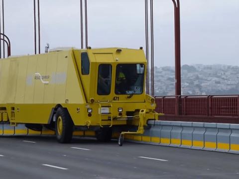 The new Golden Gate Bridge 'zipper trucks' are oddly mesmerising