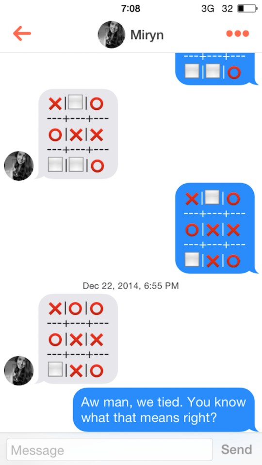 Guy uses Connect Four to get girls on Tinder and it totally
